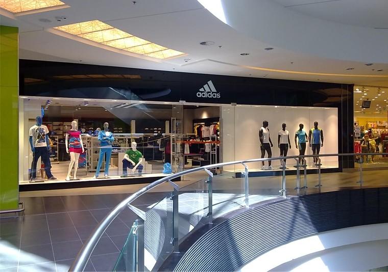 EN Amenajare Spatiu Comercial Adidas in Atrium Mall Arad